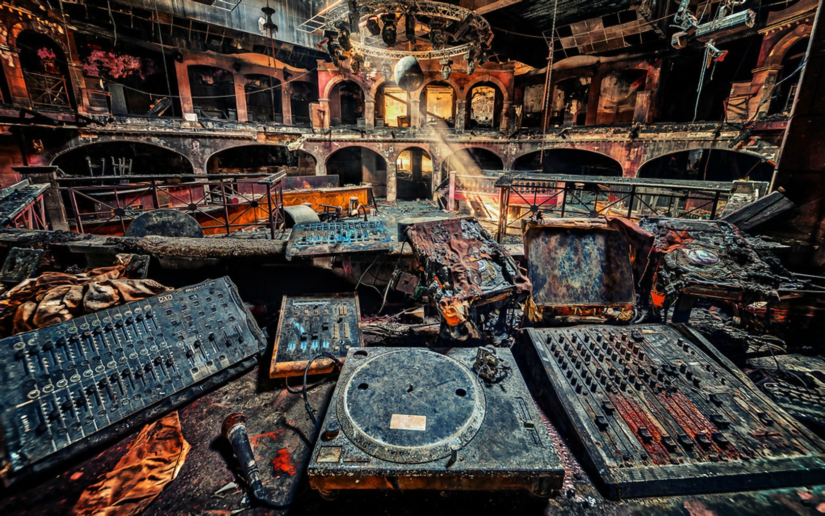 16 - Burnt-down nightclub