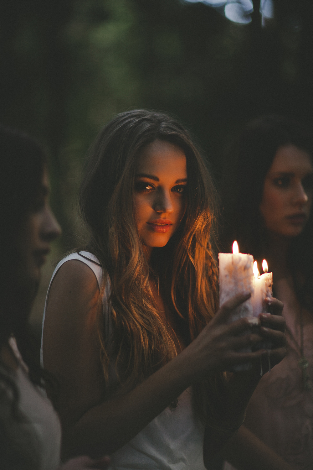 31   Beauty Girl Holding Candle for girl holding candle tumblr  555kxo