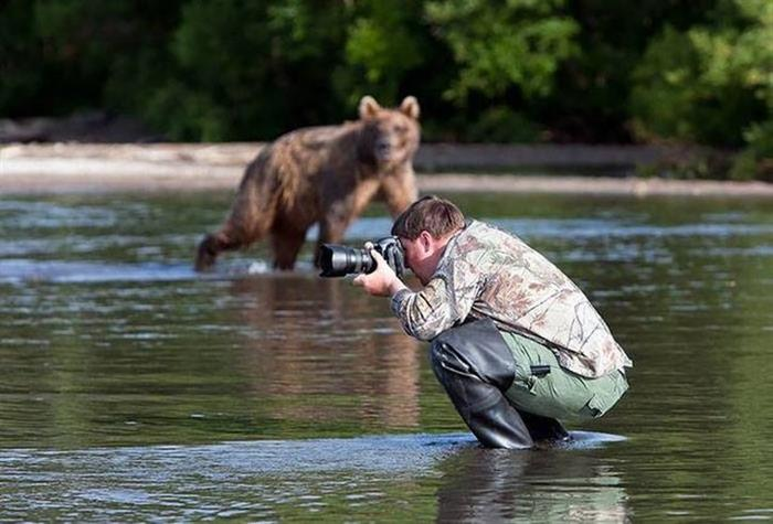 11 - 35 Photographers That Will Do Anything For The Perfect Shot