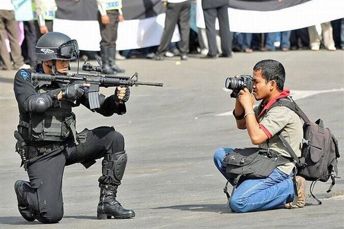 15 - 35 Photographers That Will Do Anything For The Perfect Shot