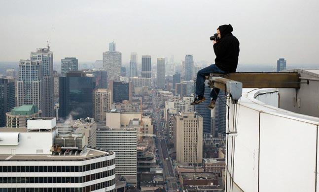 20 - 35 Photographers That Will Do Anything For The Perfect Shot