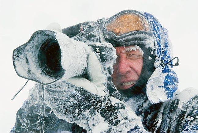 29 - 35 Photographers That Will Do Anything For The Perfect Shot