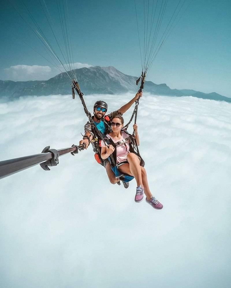 22 - Paragliding selfie