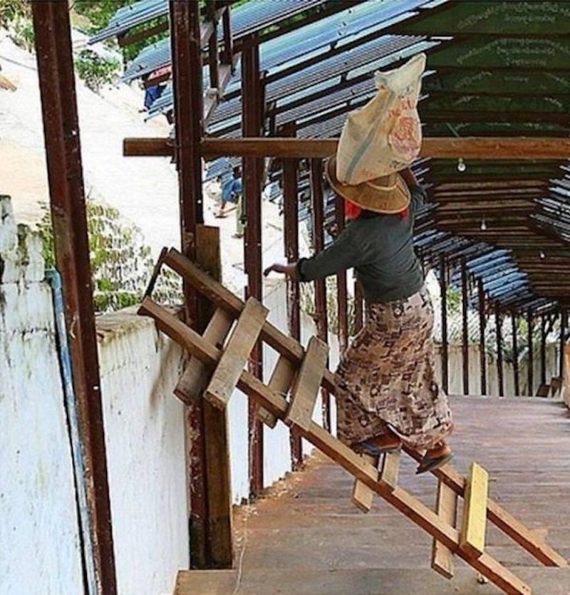 27 - Climbing a fallen ladder