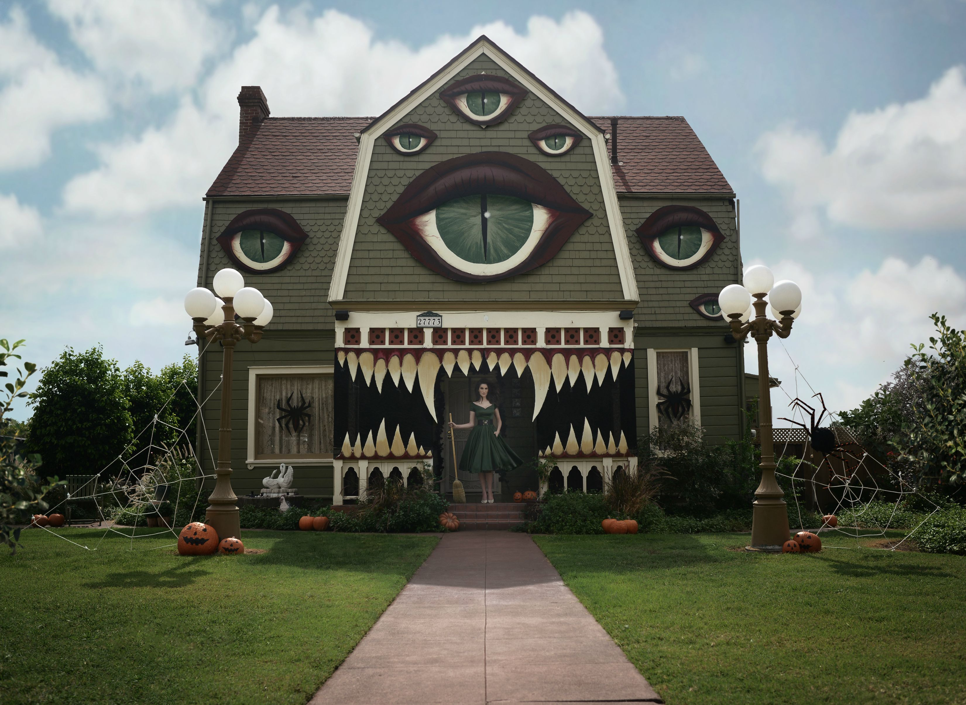 1 31 of the best decorated halloween houses