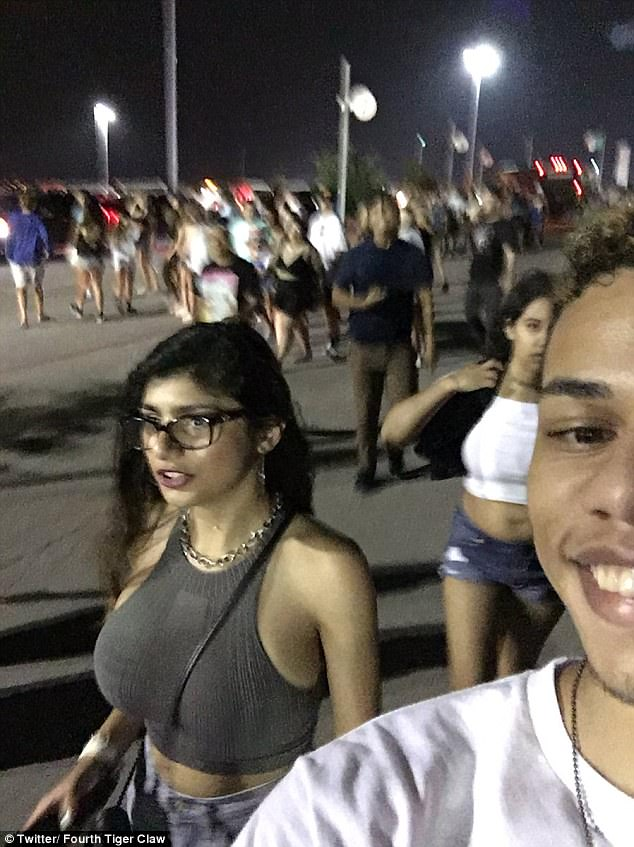 1 - Famous selfie someone took next to Mia Khalifa that got him punched for doing so. Homeboy saw Mia Khalifa and wanted to get a pick to show his buddies.