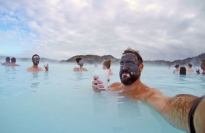 Iceland blue lagoon feels gallery ebaum 39 s world for Where is the blue lagoon in iceland