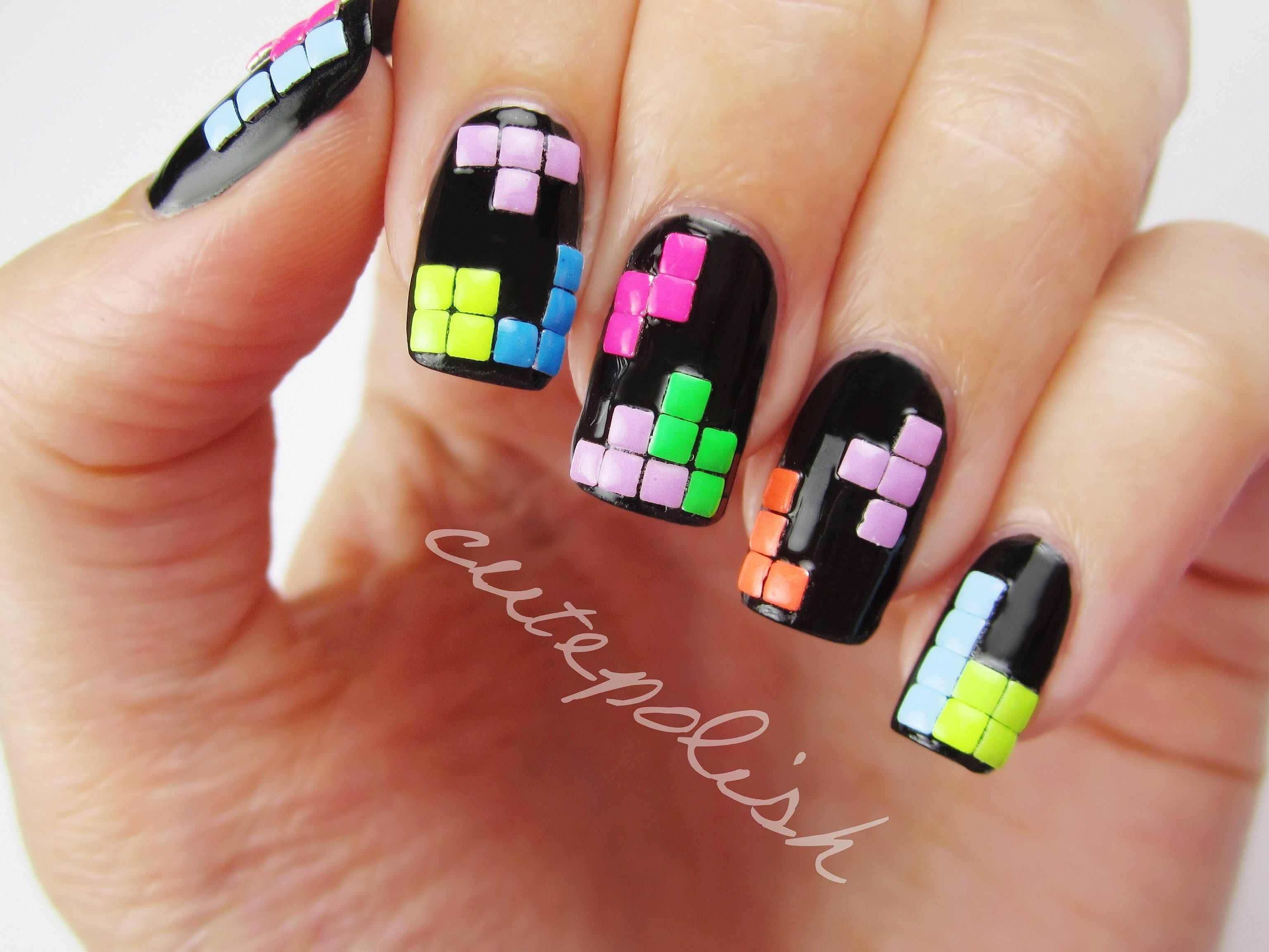Cool Gaming Inspired Nail Art - Wow Gallery | eBaum\'s World