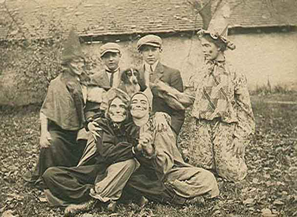 9 vintage halloween pictures circa 1900 - Halloween Costumes 1900