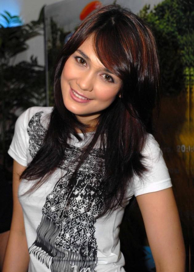 Top 26 Beautiful Indonesian Women In Show Biz - Gallery