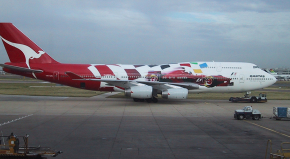 7 - 32 Airplanes With Awesome Paint Jobs