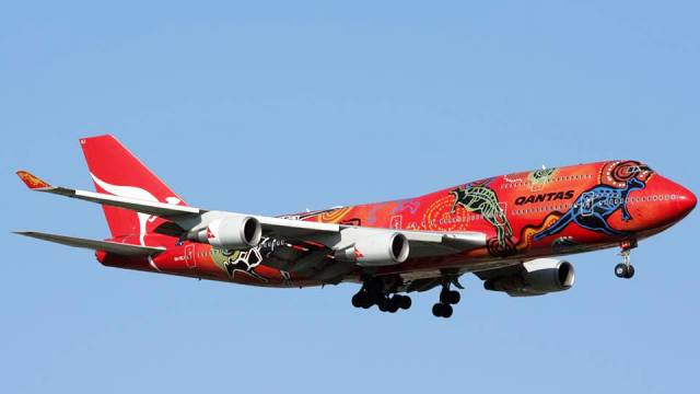 22 - 32 Airplanes With Awesome Paint Jobs