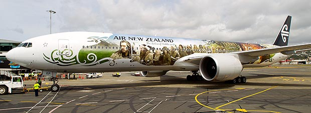25 - 32 Airplanes With Awesome Paint Jobs
