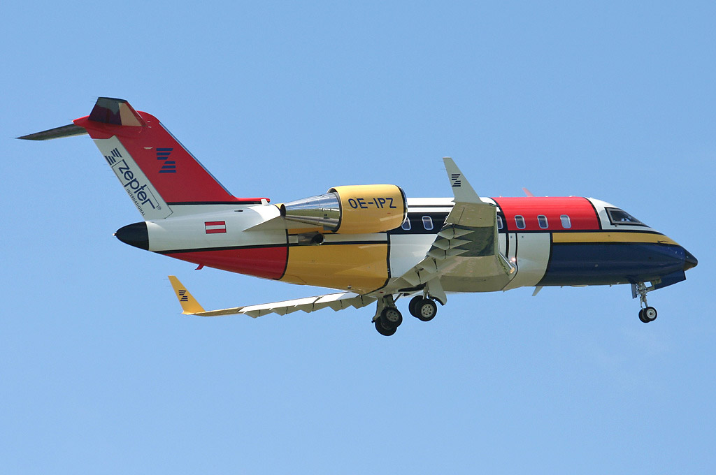 31 - 32 Airplanes With Awesome Paint Jobs