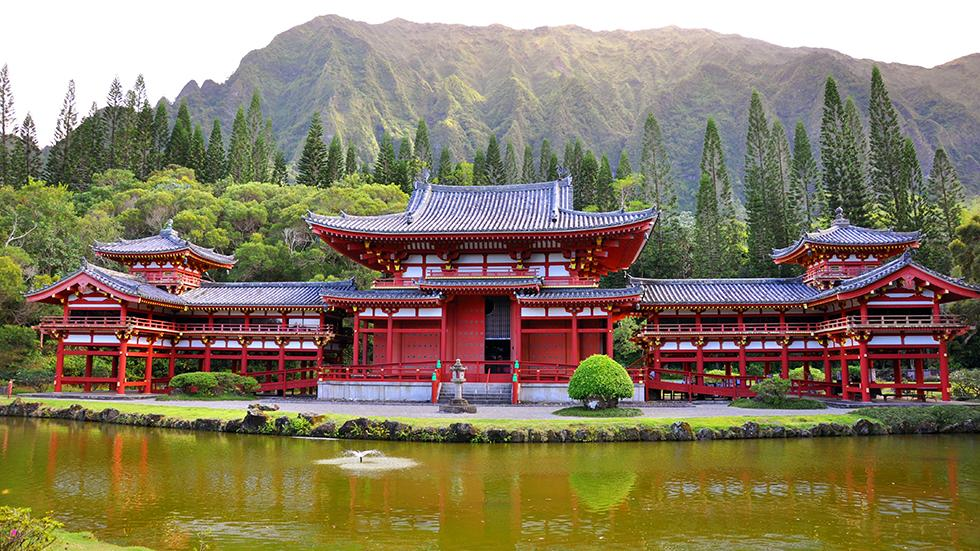 3 - Wanna see Japan? Just go to Byodo-in temple, Oahu, HI.