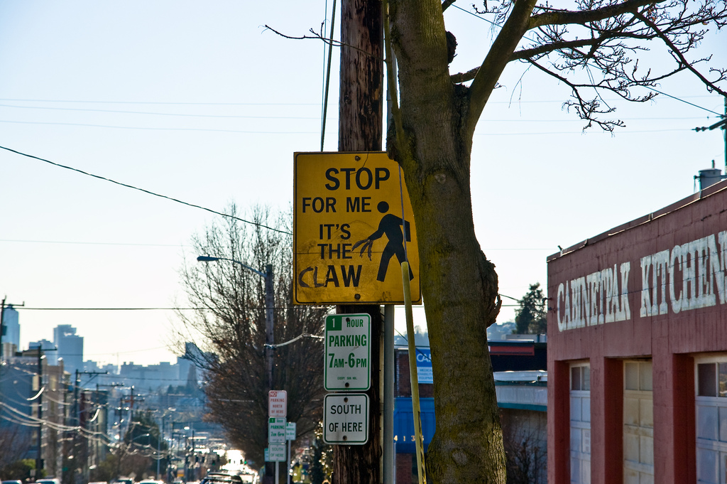 Funny Graffiti Gallery EBaums World - 15 signs improved hilarious graffiti
