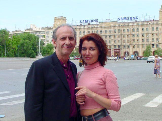 Ukrainian Wives Driving Their Husbands 114