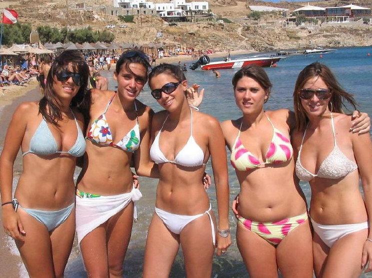 Sexy nude women.