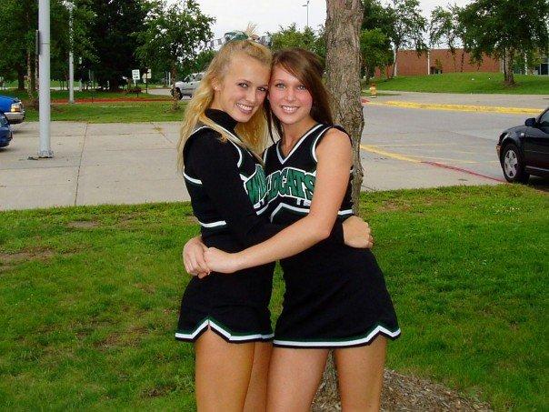 nebraska-cheerleader-nude-teen-older