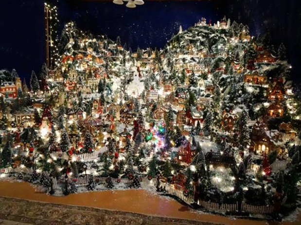 17 cool miniature christmas town - Miniature Christmas Town Decorations