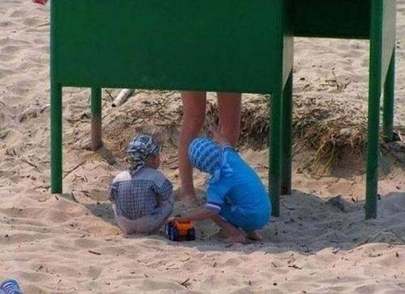 6 - The Most Important WTF Beach Photos Ever Taken