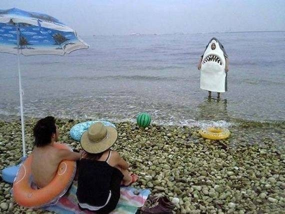 24 - The Most Important WTF Beach Photos Ever Taken