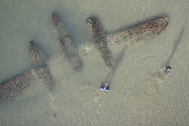2 - P-38 on Welsh Beach