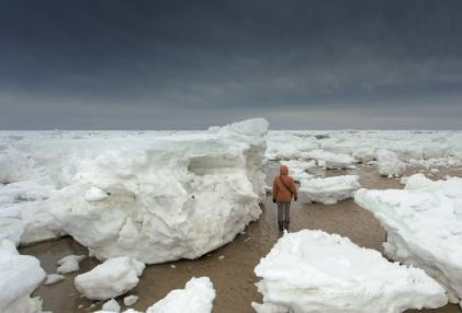 10 - A huge chunk of ice at Cape Cod, Massachusetts