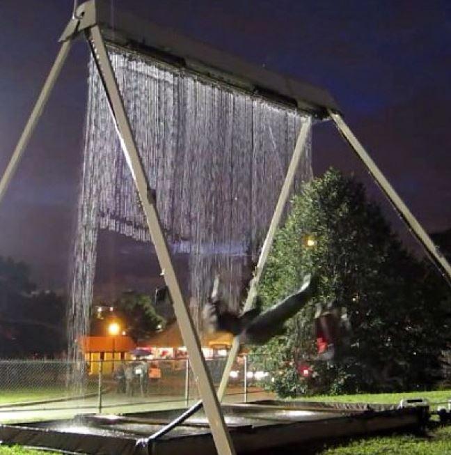 7 - A waterfall swing