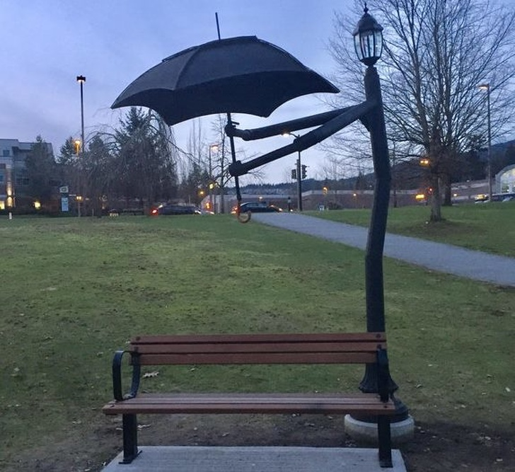 18 - Built-in umbrellas on benches