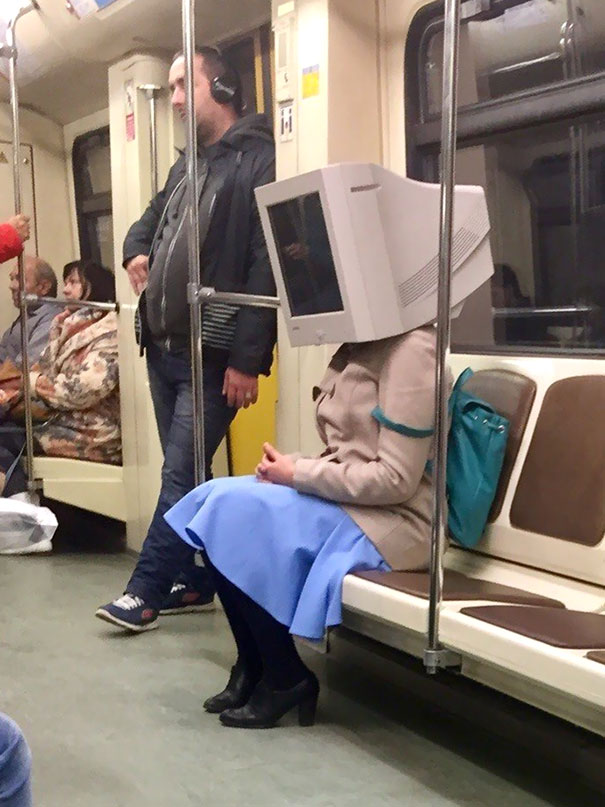 11 - 30 weird sights spotted on the subway