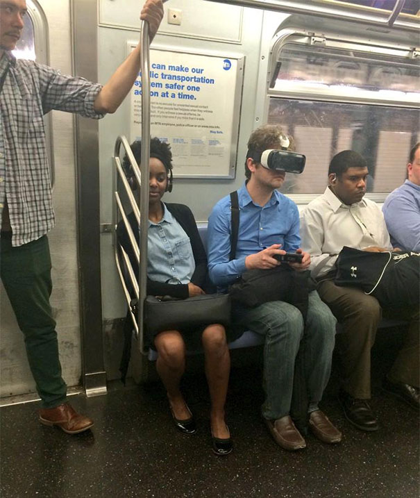 30 - 30 weird sights spotted on the subway