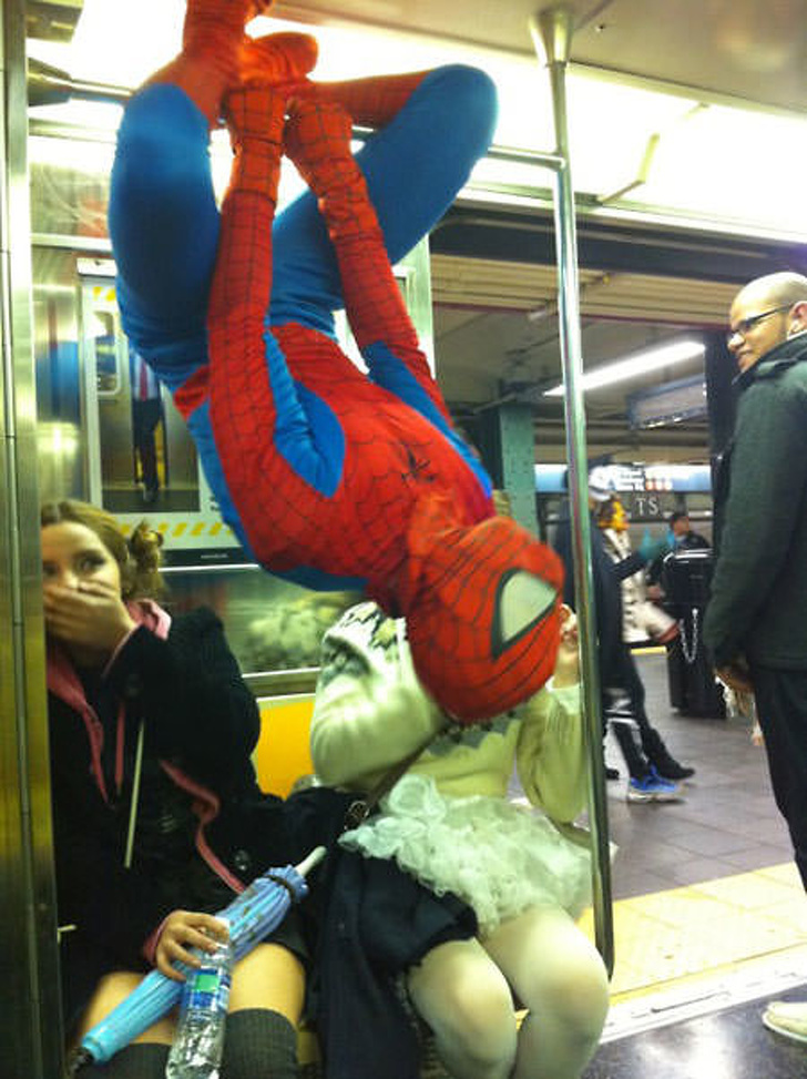 10 - 28 bizarre things seen on the subway