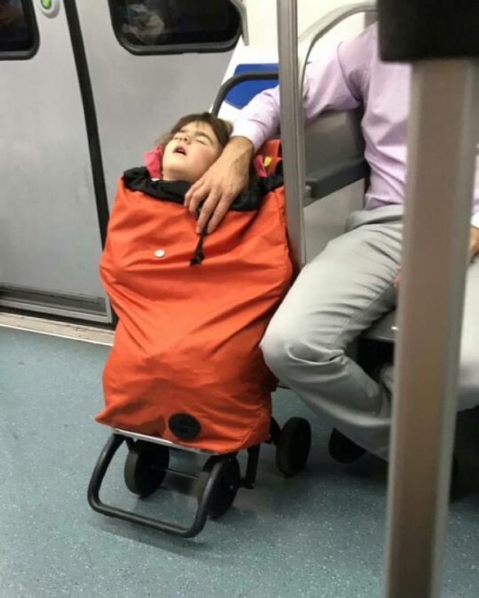 22 - 28 bizarre things seen on the subway