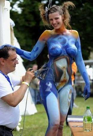 Air brushed babes Naked