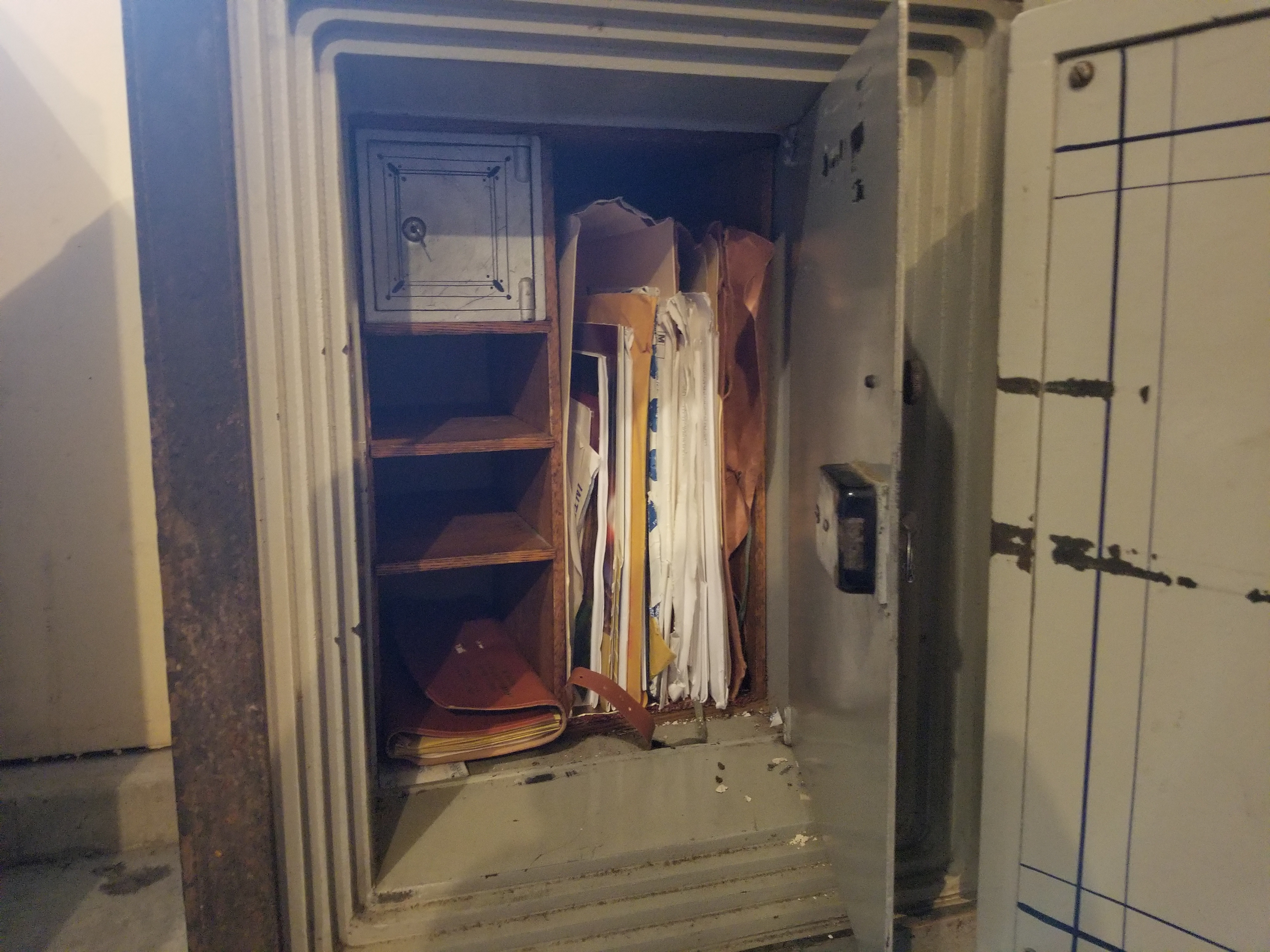 Guy Finds Walt Disney Stock In His Great Uncle's Old Safe