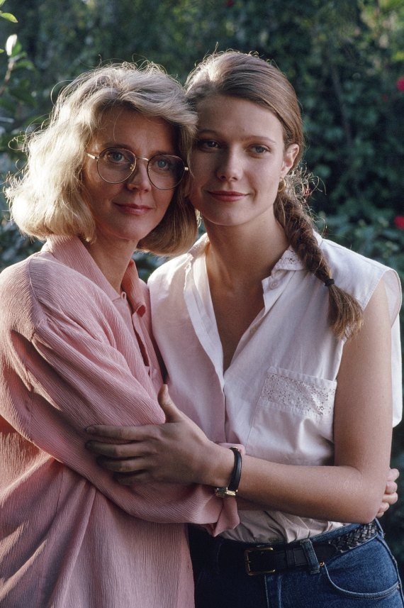2 - Blythe Danner with her daughter Gwyneth Paltrow.
