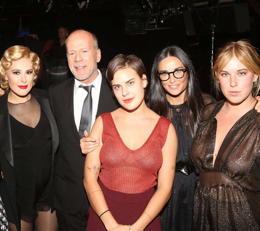 11 - Bruce Willis with his ex-wife Demi Moore and their 3 daughters Rumer, Scout, and Tallulah Willis.