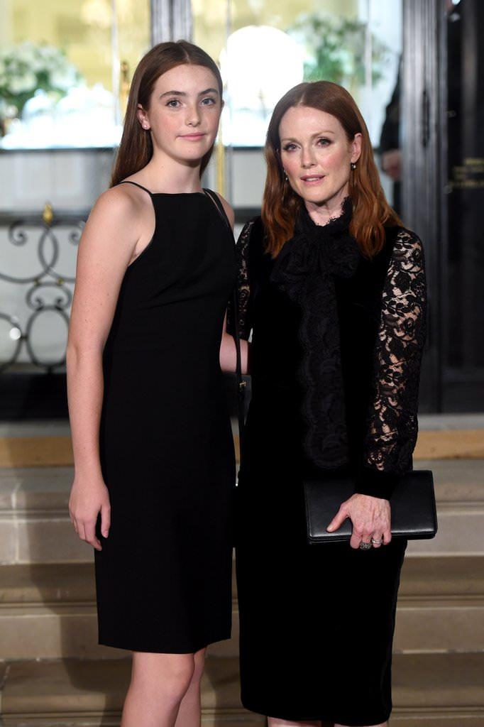 17 - Julianne Moore and her daughter Liv Freundlich.