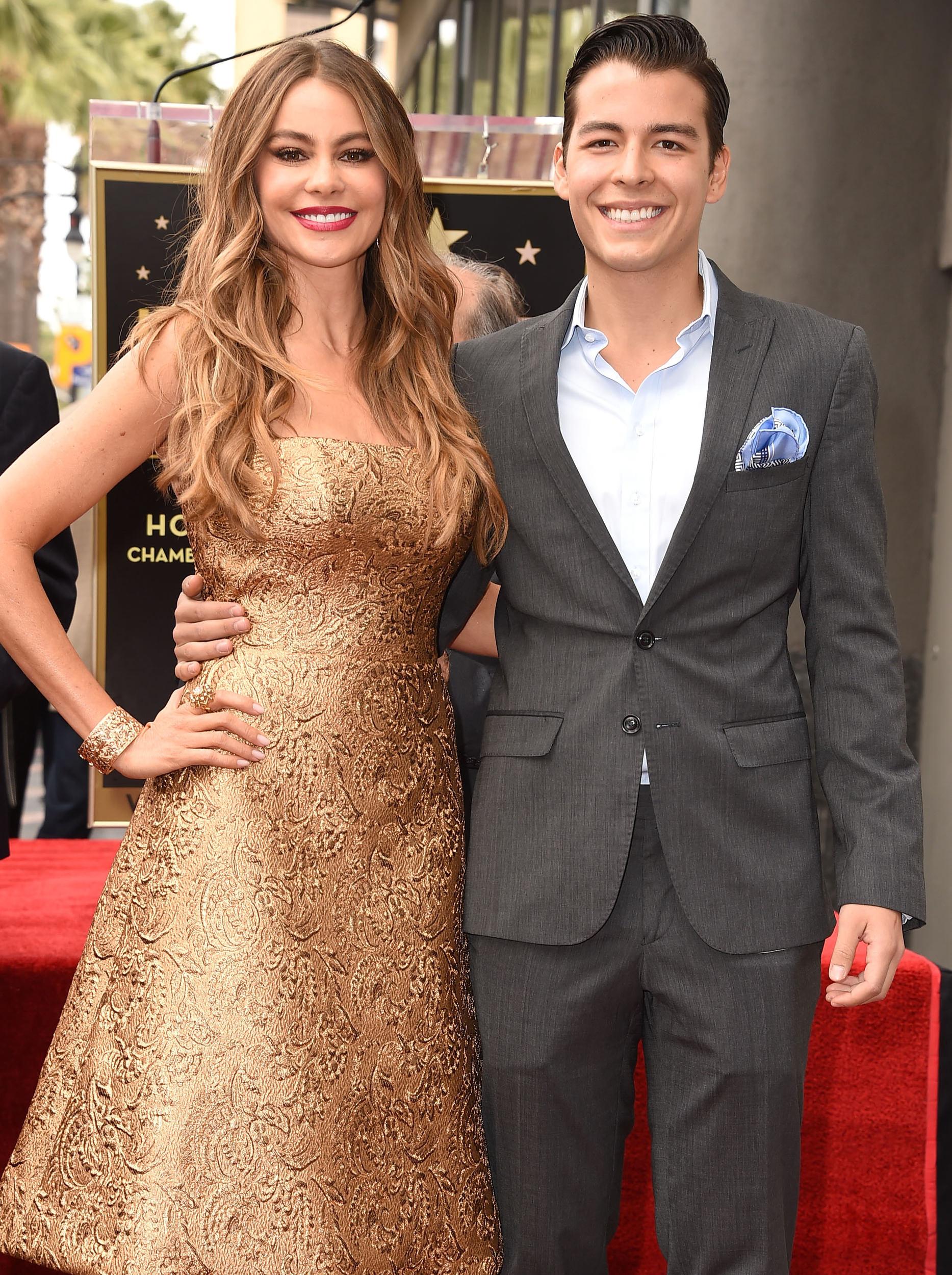 19 - Sofia Vergara and her son Manolo.