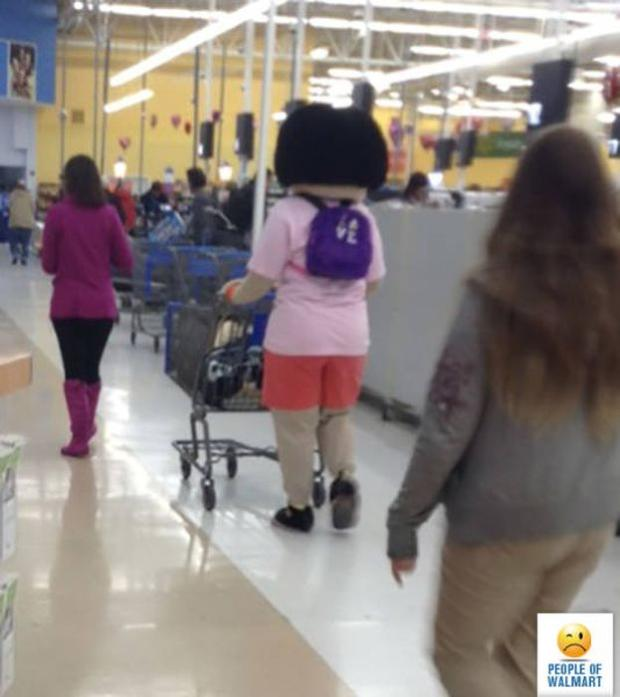 18 - 27 Photos That Could've Been Taken Only In Walmart