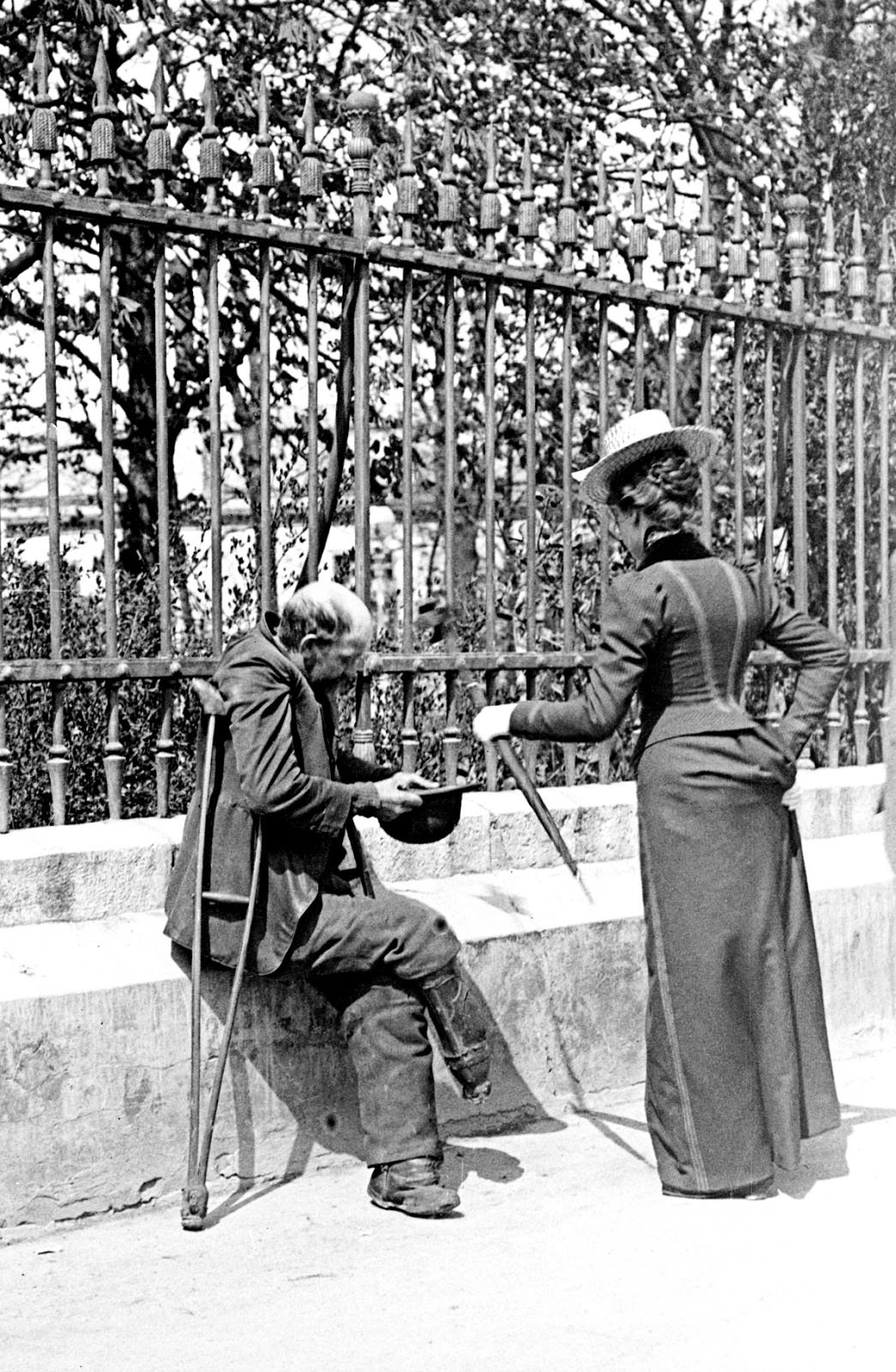 1 - A man without a foot begs on the streets of Vienna, Austria in 1911.