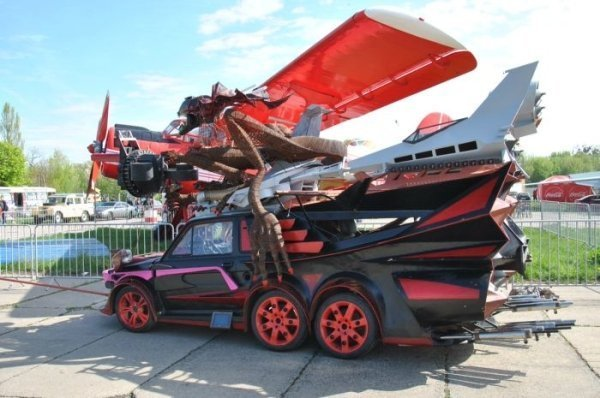 20 - 24 Redneck Car Modifications That Will Make You Doubt The Sanity Of Their Owners