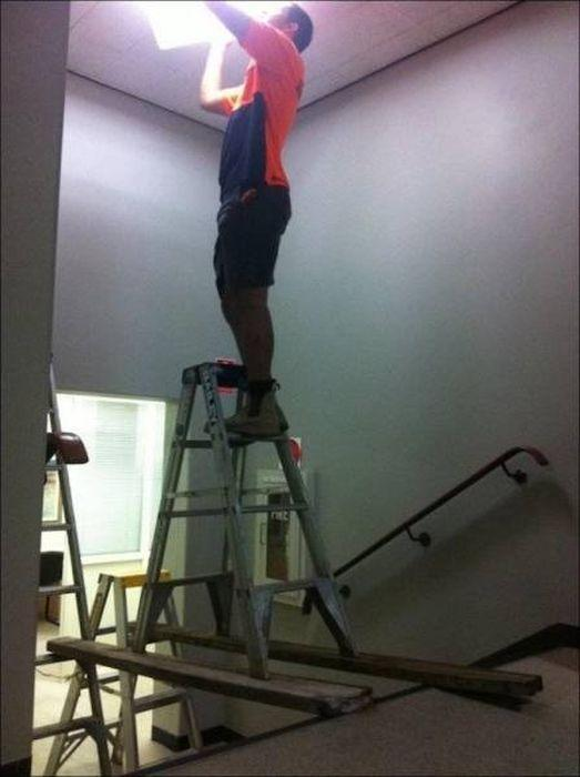 """12 - 19 People Who Might Get Introduced To The Phrase """"Safety First"""" The Hard Way"""