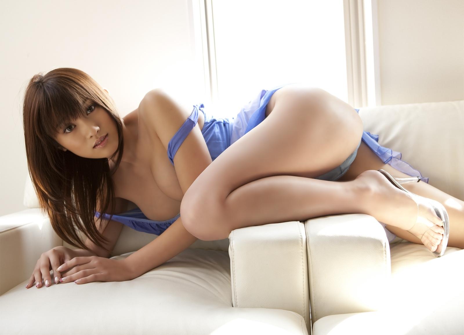 Hot Japanese Girls Boobs