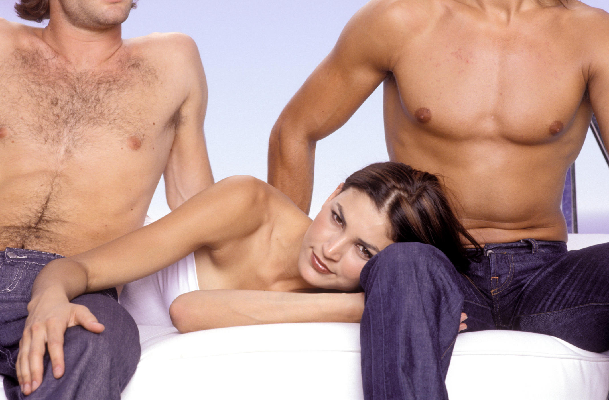 Трио два мужика, гиг порно втроем видео смотреть HD порно бесплатно 2 фотография