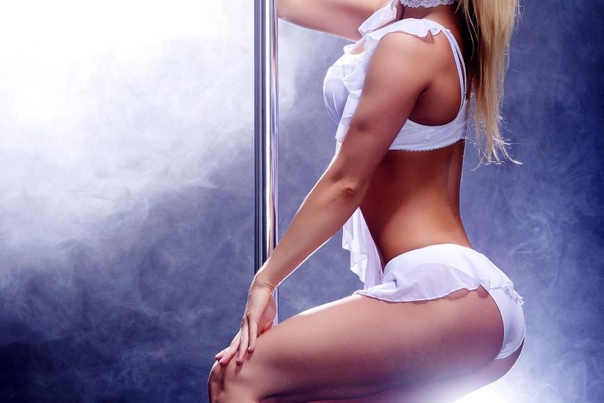 stripper-nude-girl-seinfeld-quinn-pussy