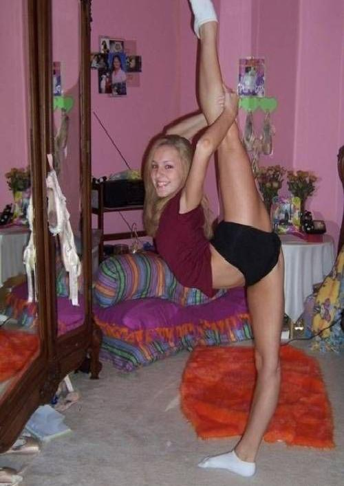 Doing young splits cheerleaders