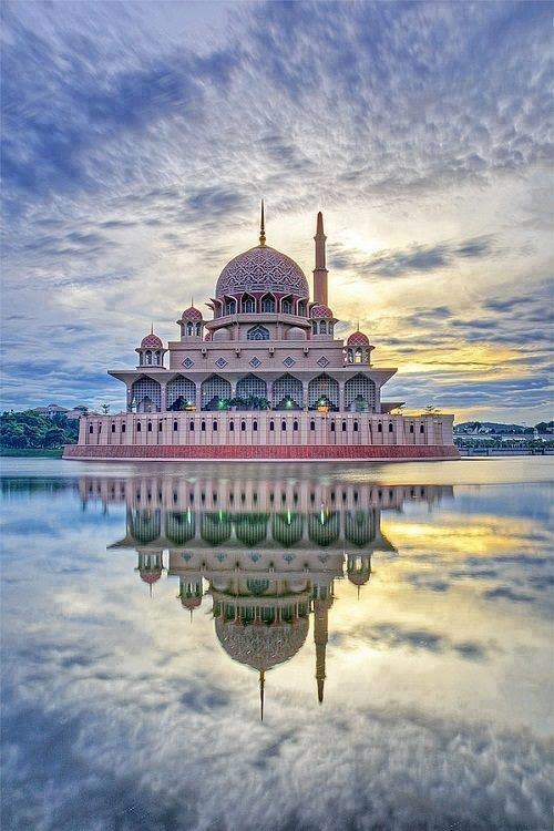 19 - The Putra Mosque in Putrajaya, Malaysia
