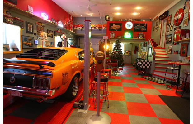 32 awesome man caves gallery ebaum 39 s world for 2 car garage man cave